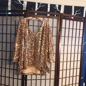 Size 3x gold lg sequined top